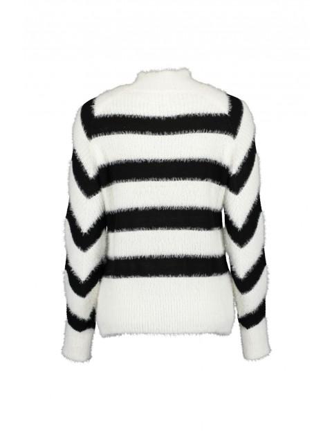 Damski sweter z dzianiny z nadrukiem - biały