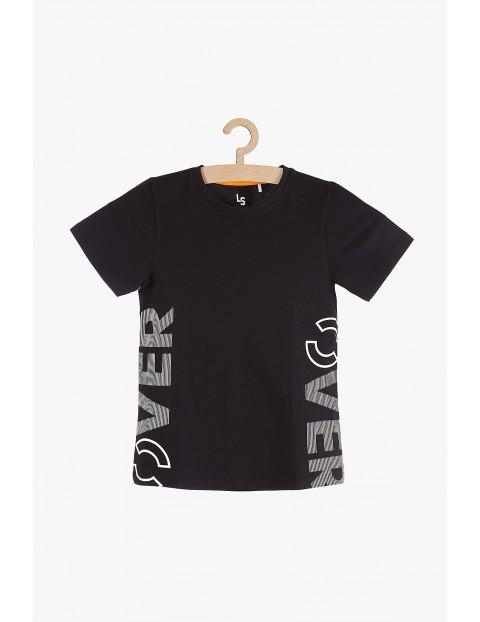 T-shirt chłopięcy czarny z napisem Over