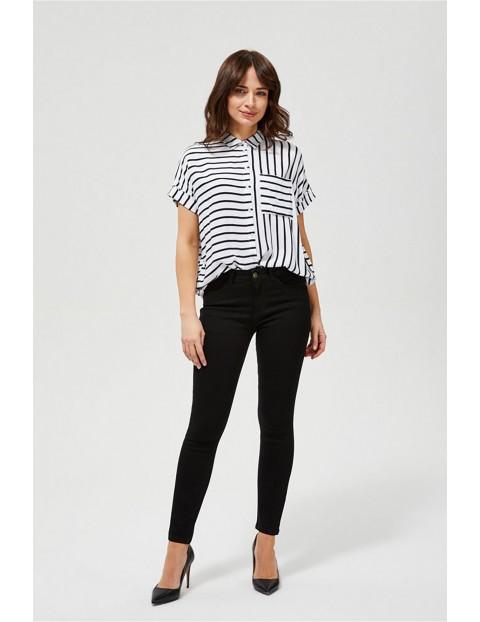 Czarne jeansy z dopasowanymi nogawkami i wysokim stanem- slim