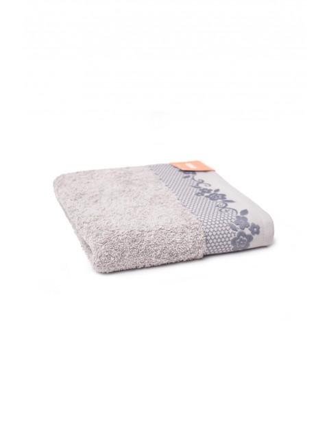 Bawełniany chłonny ręcznik o wymiarach 50x90 cm