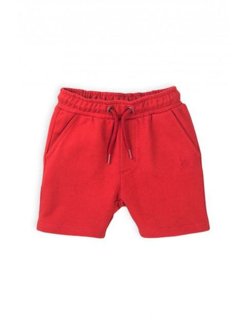 Szorty chłopięce w kolorze czerwonym