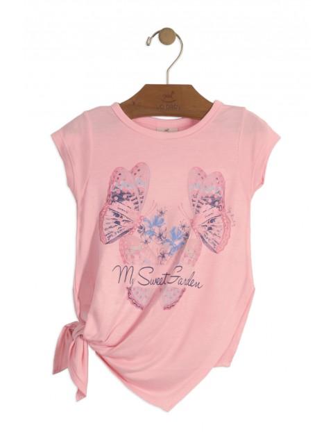 Bluzka dziewczęca z asymetrycznym dolem- różowa w motylki