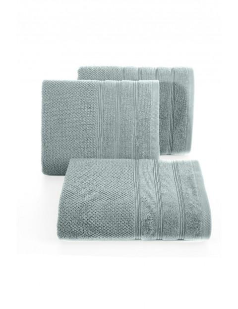 Ręcznik z bordiurą w pasy 50x90 cm