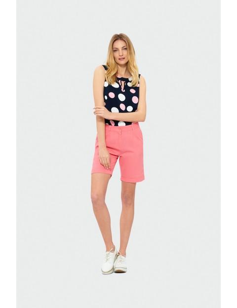 Krótkie spodnie z zakładkami - brzoskwiniowe