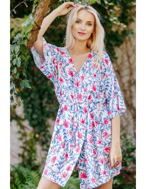 Kimonowa podomka ze zwiewnej tkaniny  - kwiatowy wzór