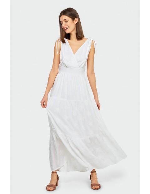 Długa biała wiskozowa sukienka z falbanami
