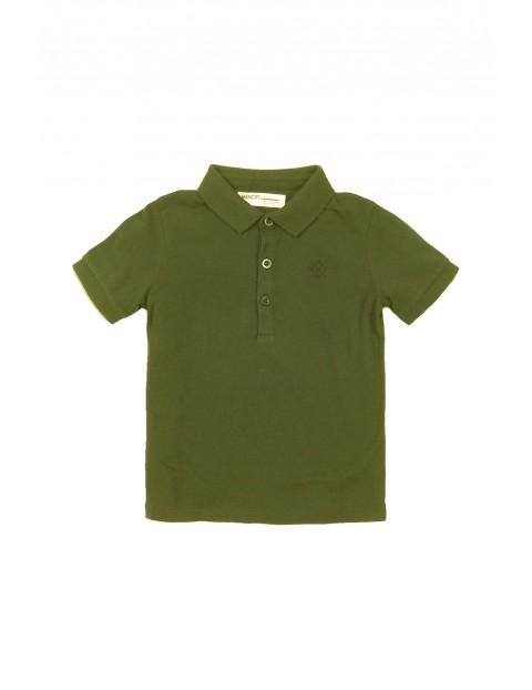 Zielony t-shirt chłopięcy z kołnierzykiem