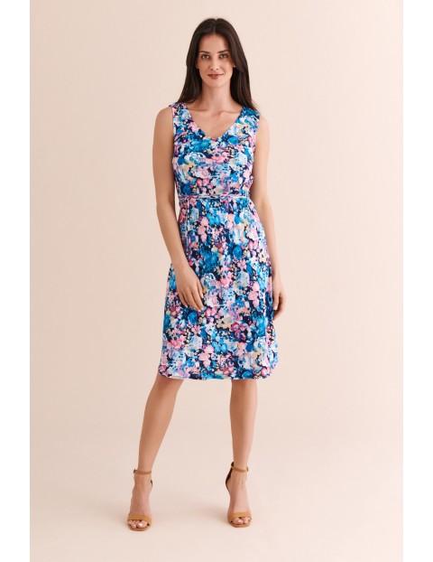 Sukienka niebieska w kolorowe kwiaty