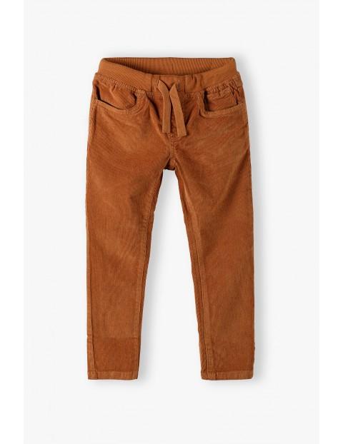Spodnie chłopięce sztruksowe- brązowe