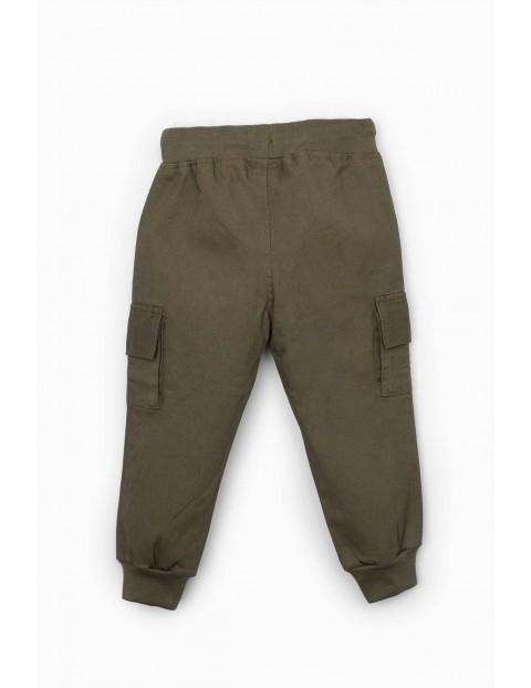 Spodnie niemowlęce bojówki zielone