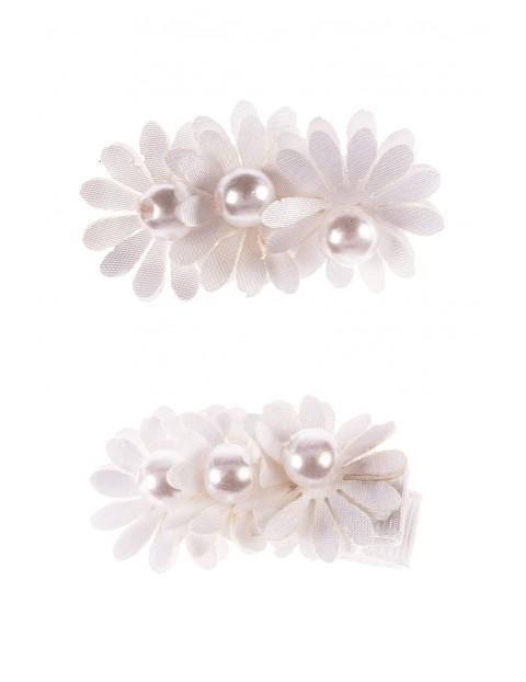 Spinki do włosów- białe kwiatki 2szt