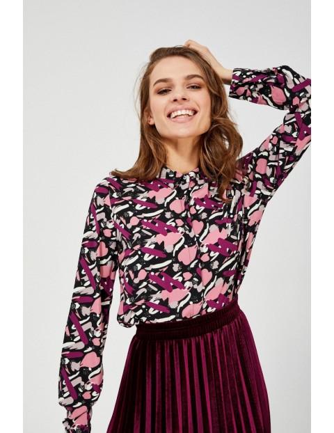 Czarna wiskozowa koszula damska z kolorowym nadrukiem