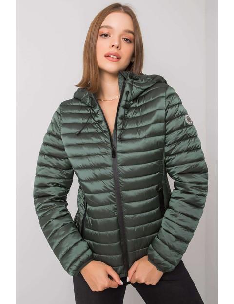 Zielona kurtka damska przejściowa z kapturem