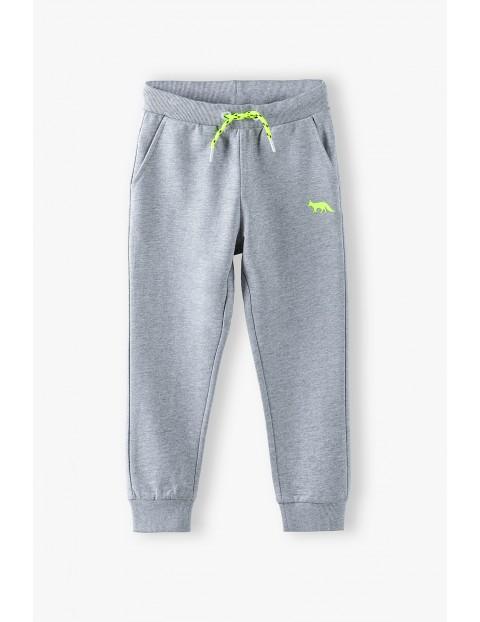 Spodnie dresowe chłopięce szare z kieszeniami