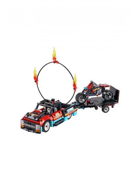 LEGO® Technic Furgonetka i motocykl kaskaderski -610 elementów wiek 8+