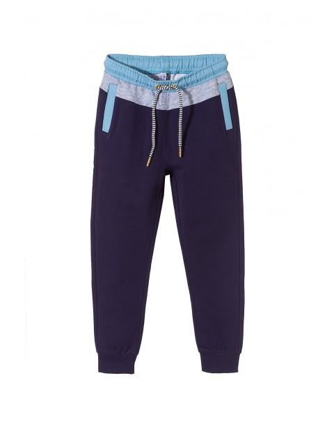 Spodnie dresowe chłopięce 1M3418