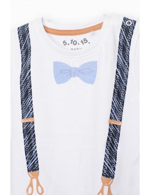 Biały t-shirt niemowlęcy z imitacją szelek