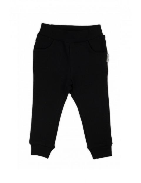 Spodnie dresowe chłopięce-czarne