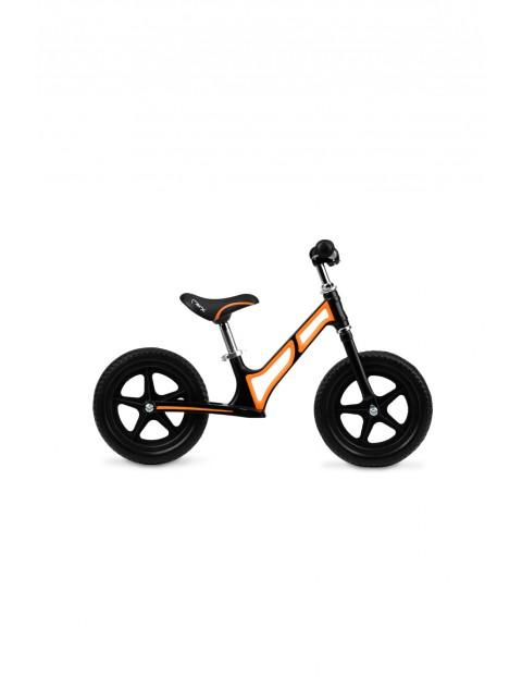 MoMi MOOV superlekki magnezowy rowerek biegowy pomarańczowy