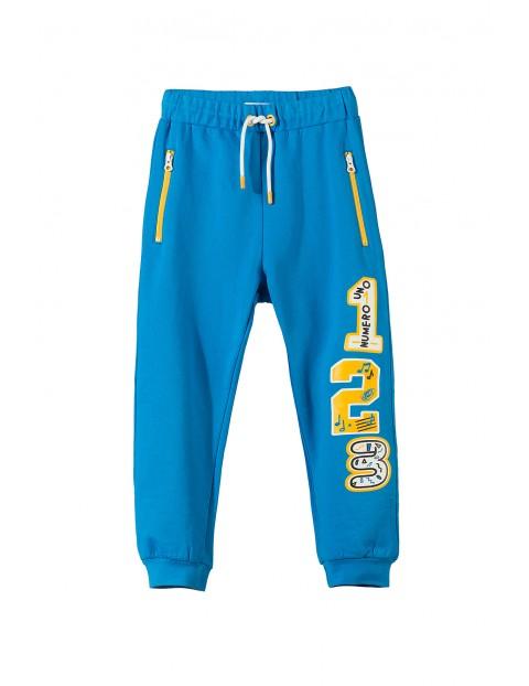 Spodnie dresowe dla chłopca 1M3201