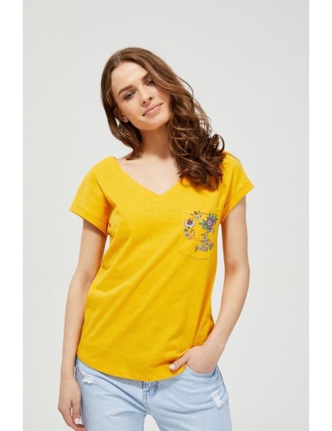 Bawełniany t-shirt damski z ozdobną kieszonką z kwiecistym nadrukiem