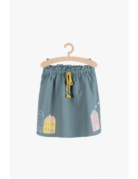 Dresowa spódnica dziewczęca z kolorowymi nadrukami