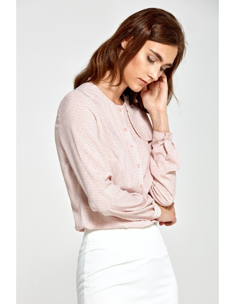 Różowa bluzka damska z ozdobną klapą