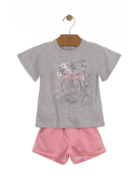 Komplet różowe szorty i szary t-shirt