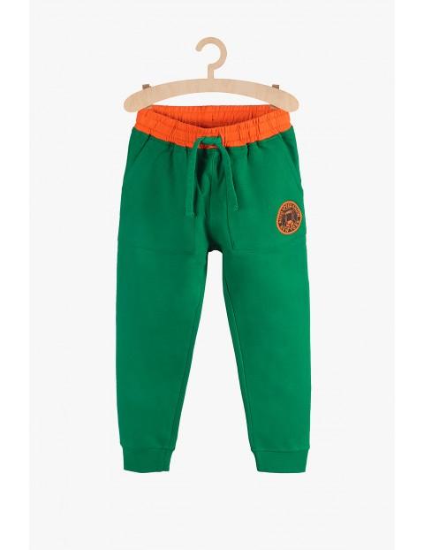 Dresowe spodnie chłopięce- zielone