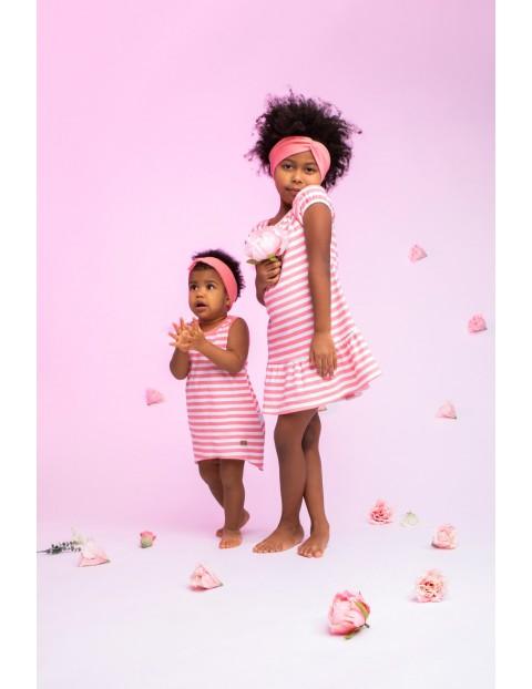Sukienka na ramiączkach dla dziewczynki z białej bawełny w koralowe paski