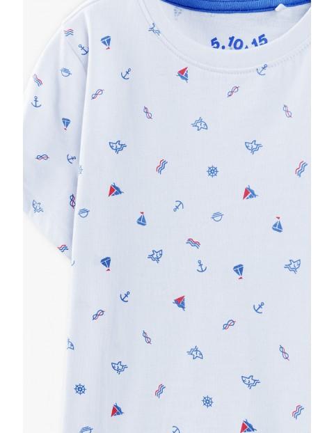 T-shirt chłopięcy w kolorze białym z marynistycznymi motywami