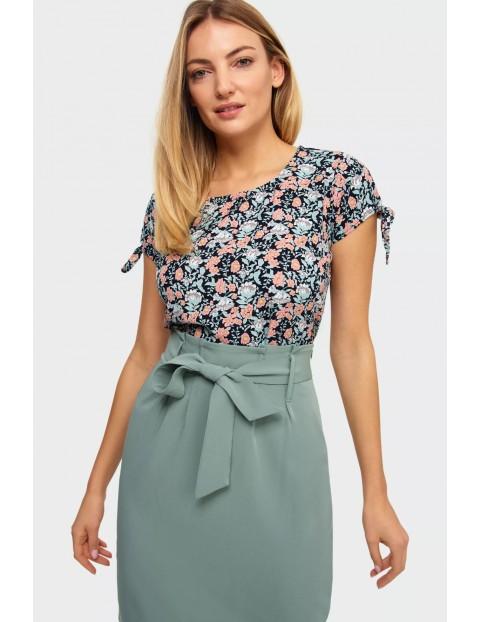 Bluzka damska z kwiecistym wzorem