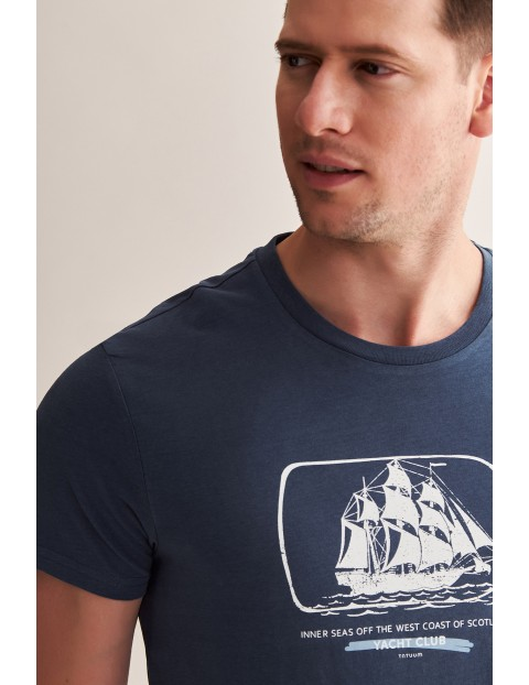 Bawełniany t-shirt męski z morskim motywem - niebieski