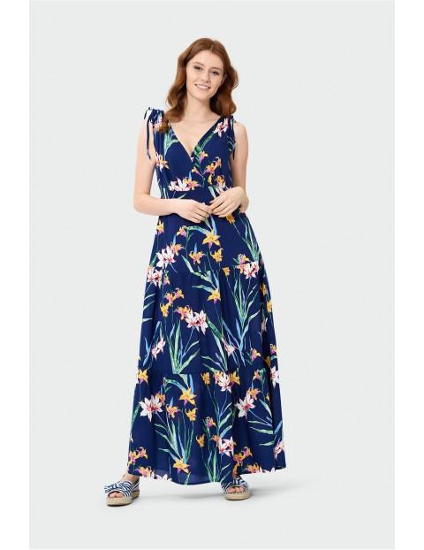 Sukienka maxi odcinana w talii- granatowa w kwiaty