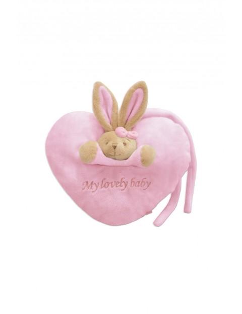 Pluszowa maskotka królik z różowym serduszkiem