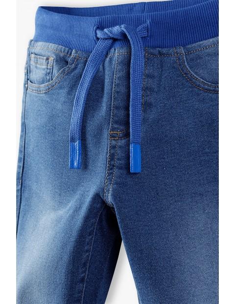 Jeansy chłopięce w kolorze błękitnym