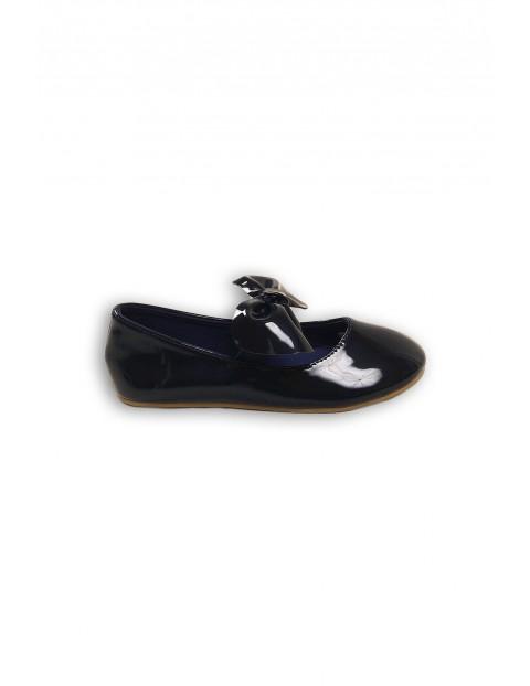 Buty dziewczęce- granatowe baleriny z kokardką