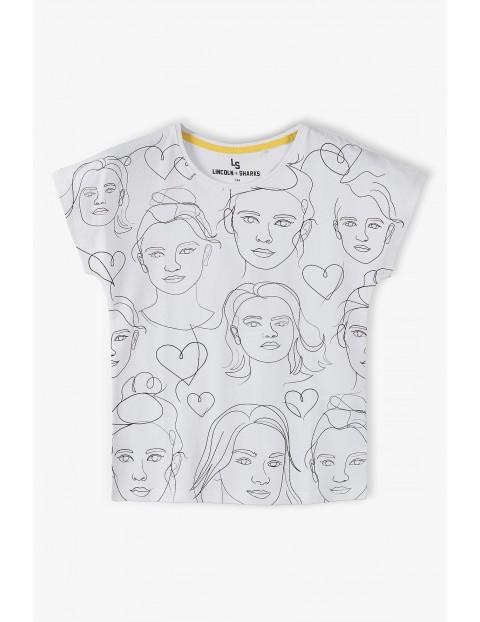 Bawełniany t-shirt dziewczęcy - biały z modnymi nadrukami