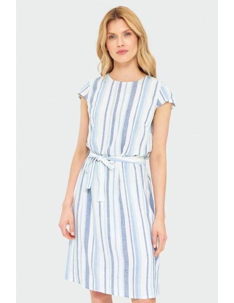 Biała sukienka w paski z wiązaniem w talii
