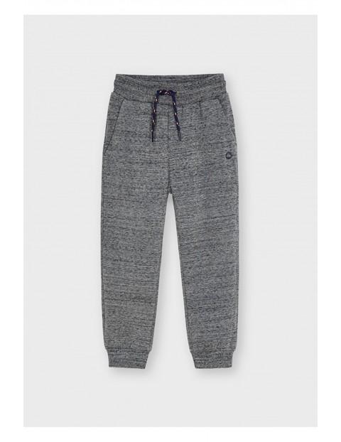 Długie spodnie dresowe dla chłopca - szare