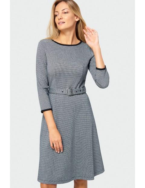 Sukienka z długim rękawem i paskiem- czarno- biała