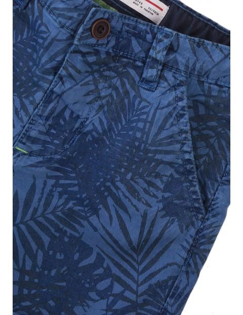 Szorty chłopięce niebieskie w liście