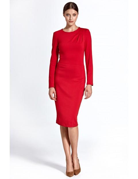 Elegancka sukienka damska z zakładkami na jednym ramieniu - czerwony