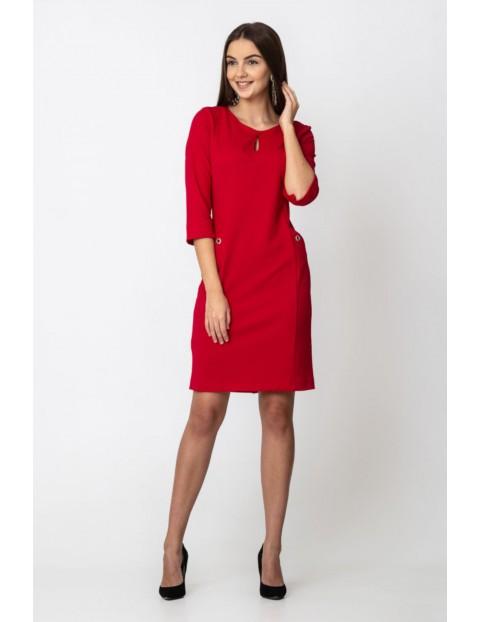 Sukienka z kieszeniami w kolorze malinowym