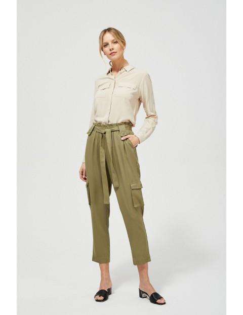 Oliwkowe spodnie typu bojówki