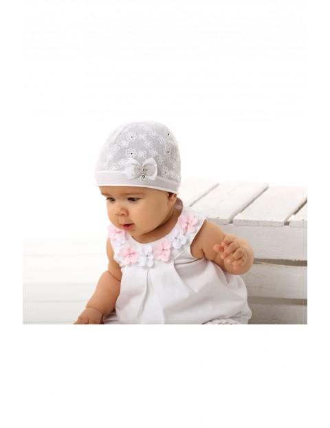 Czapka niemowlęca biała z ozdobną kokardką