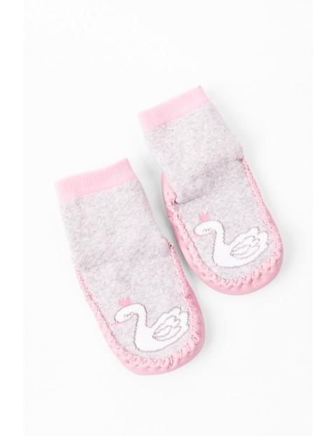 Skarpetokapcie niemowlęce różowe