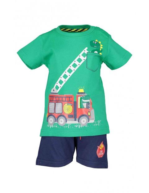 Komplet chłopięcy z wozem strażackim koszulka i spodenki