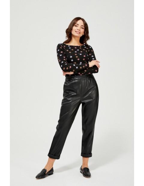 Czarna damska bluzka - długi rękaw z nadrukiem w kolorowe kropki