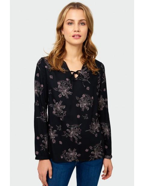 Bluzka z damska z wiskozy z długim rękawem w kwiatki - czarne